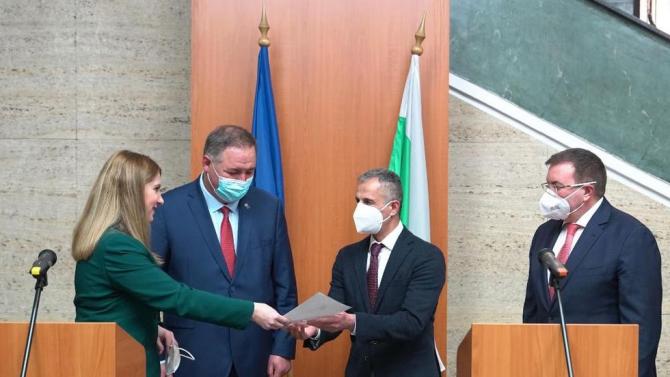 Д-р Абдулах Заргар получи българското си гражданство