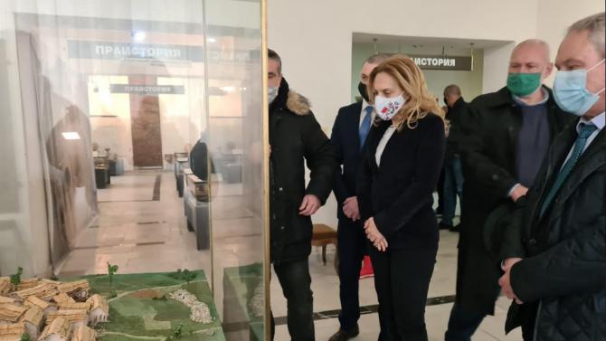 Марияна Николова: Започваме кампания за популяризиране на културно-историческия туризъм