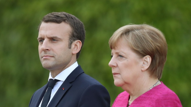 Макрон се приготвя за периода след Меркел