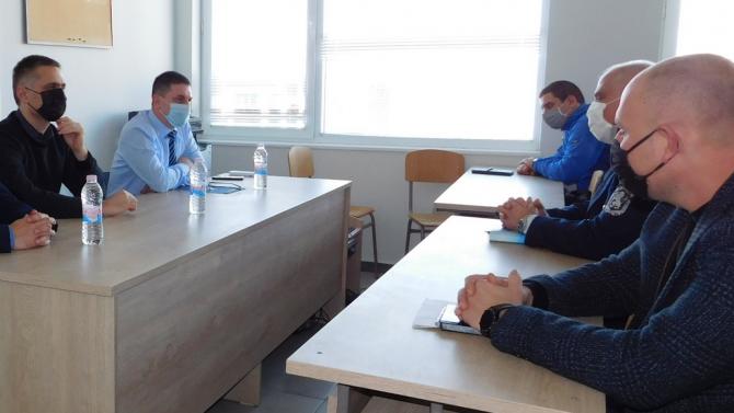 Министър Терзийски се срещна със служители на районни управления в Стралджа и Тунджа