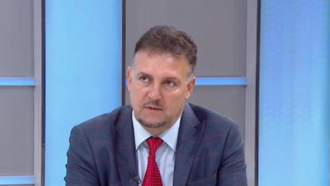 Освобождават Валентин Николов от парламента