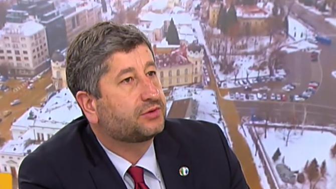 Христо Иванов с предизборно обещание и въпрос към Трифонов и Манолова