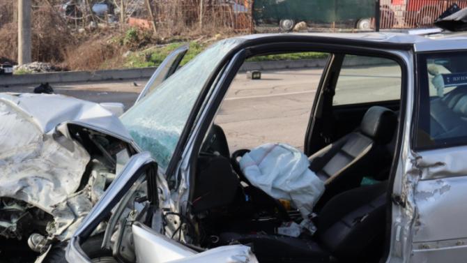 Жестока катастрофа в Сливенско, мъж загина