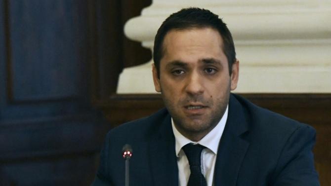 Бившият министър Емил Караниколов няма амбиции да се връща във властта