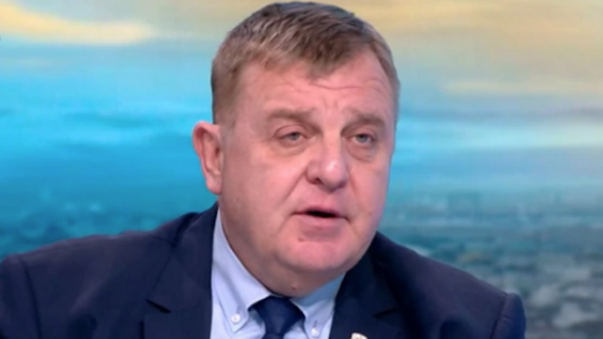 Каракачанов за Северна Македония: Да подкрепим тези, които ни наричат татари и цигани?