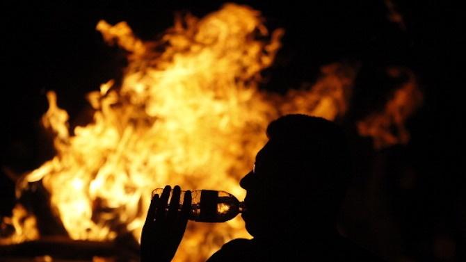 Решетки за мъж, подпалил гаджето си на Нова година