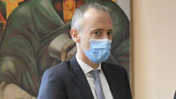 Министър Вълчев с отговор дали връщането в клас на децата увеличава заболеваемостта у нас