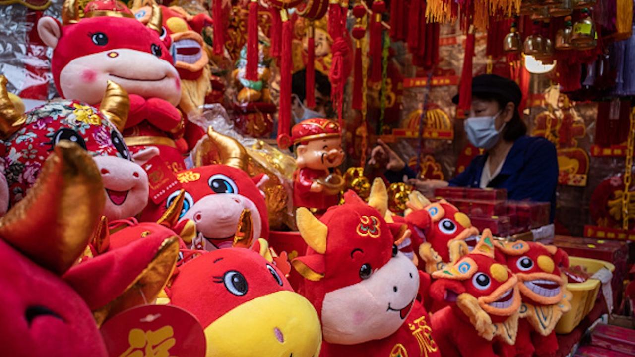 Китай посреща годината на железния бик