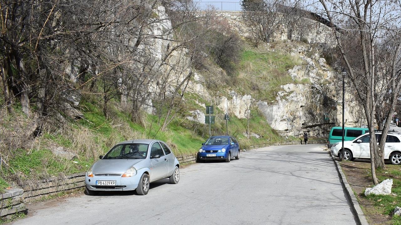 Асеновград решава проблема с паркирането на разклона за Асеновата крепост