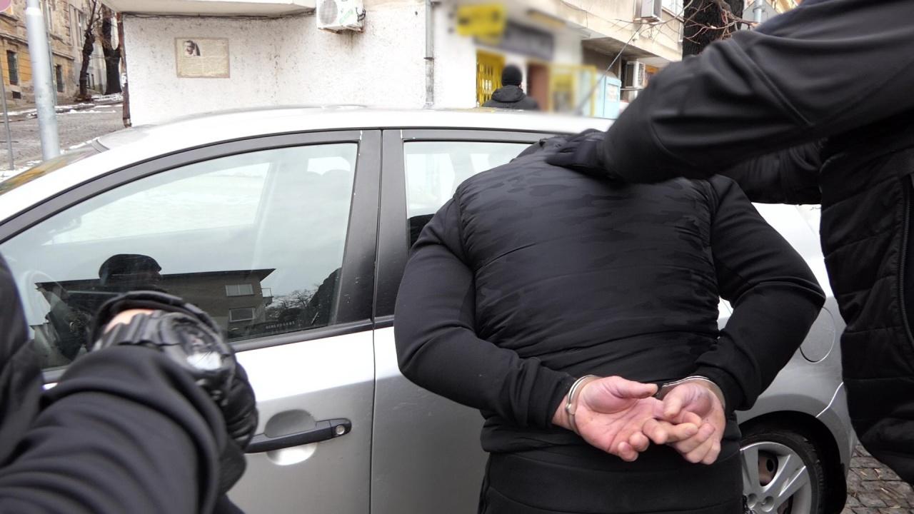 Спецакция в Бургас, арестуваха 12 души