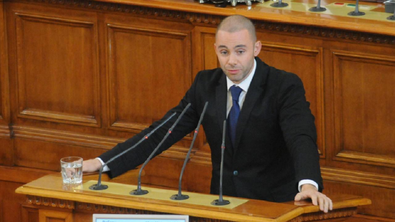 Александър Ненков: Ще получим доверието на хората