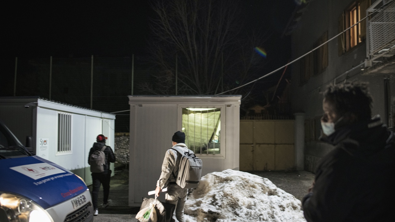 Българите, принуждавани да просят в Тулуза, живели във фургони без вода и тоалетна