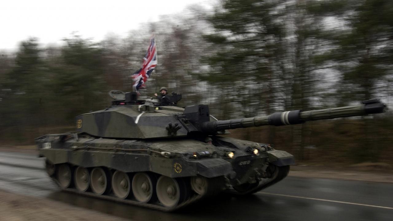 Намаляват британската армия с почти 10 000 души