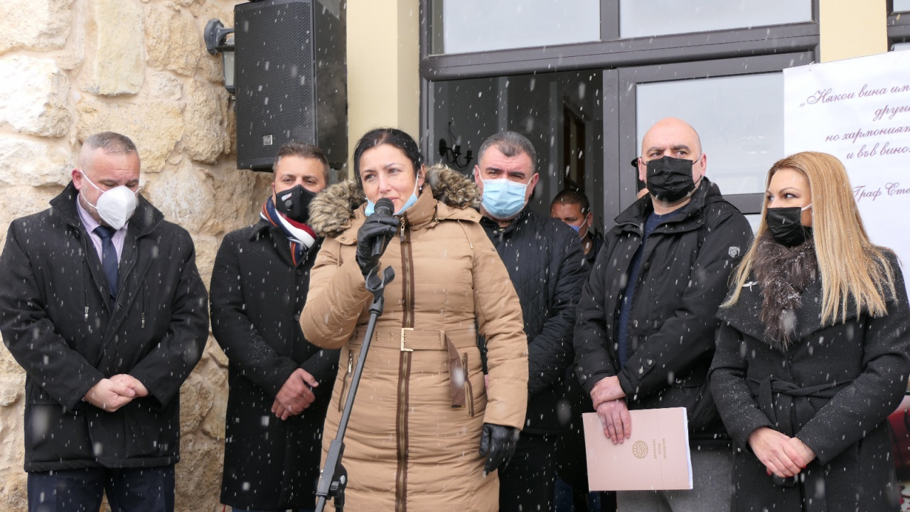 Министър Танева: През изминалата година лозаро-винарският сектор беше подпомогнат с над 60 млн. лева