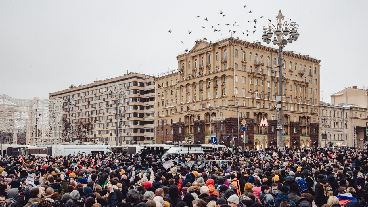 В Русия се състояха няколко протестни прояви в подкрепа на арестувани жени