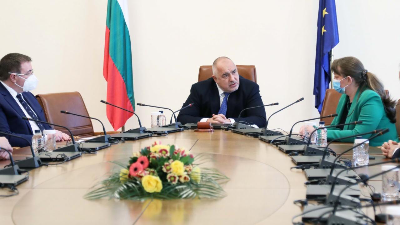 Министри докладваха на Борисов за COVID-19, учениците и средствата за бизнеса