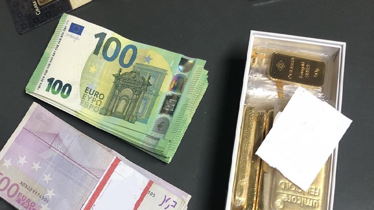 Митничари спипаха златни кюлчета и валута при проверка на ГКПП Калотина