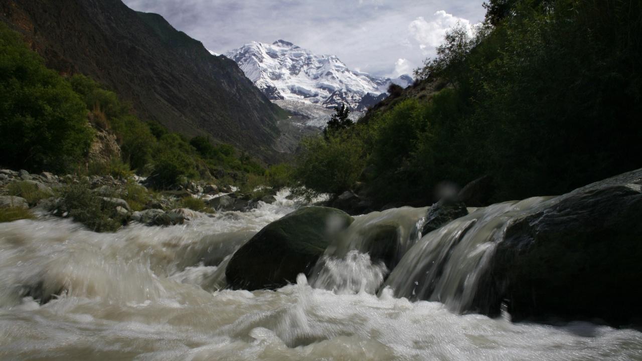 Наводнение в Хималаите остави без вода десетки хиляди в Делхи