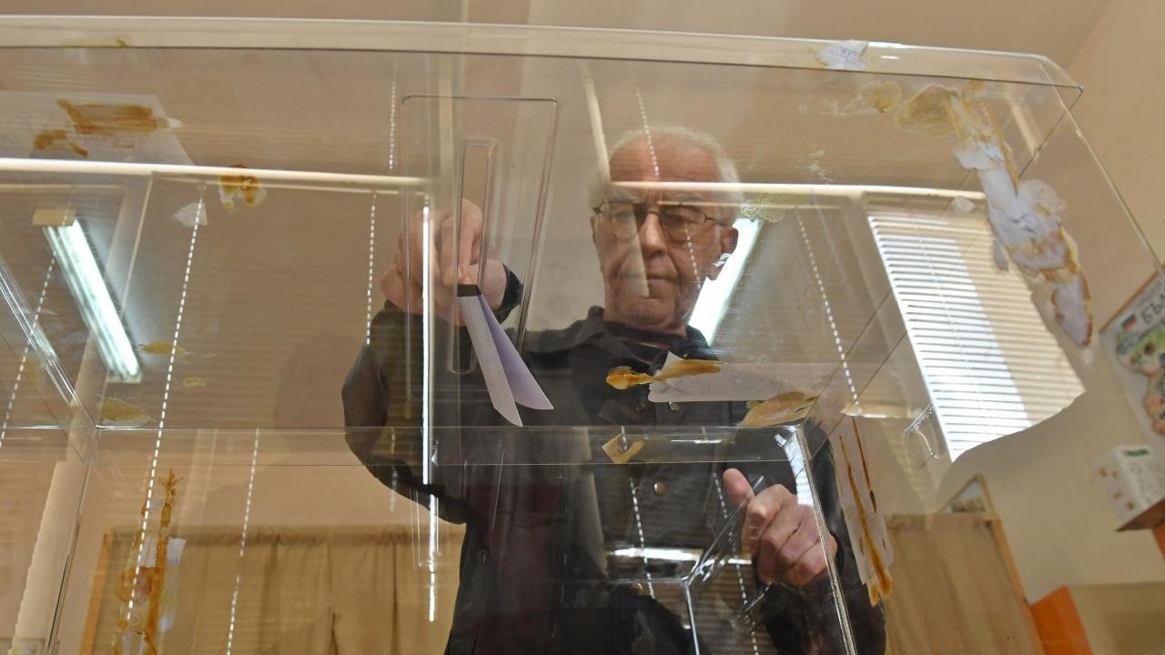Проучване: Партията на Слави влиза в парламента, но няма да е фактор