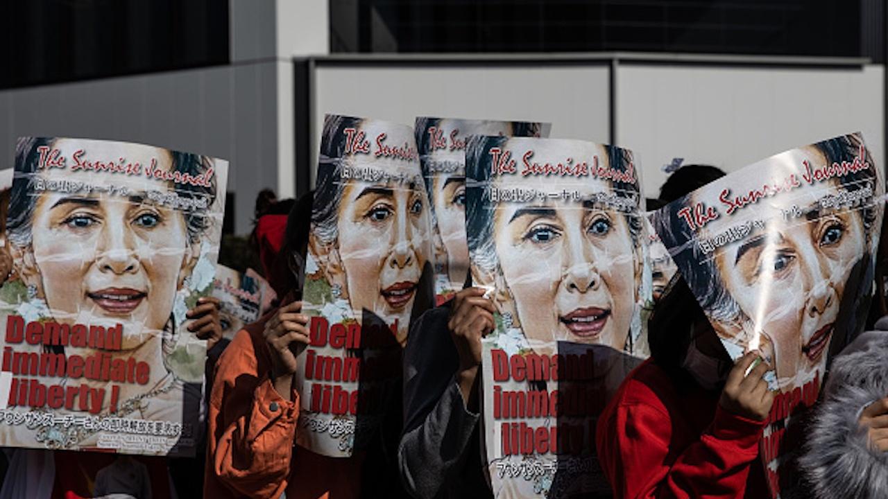 Повдигнаха ново обвинение срещу Аун Сан Су Чжи