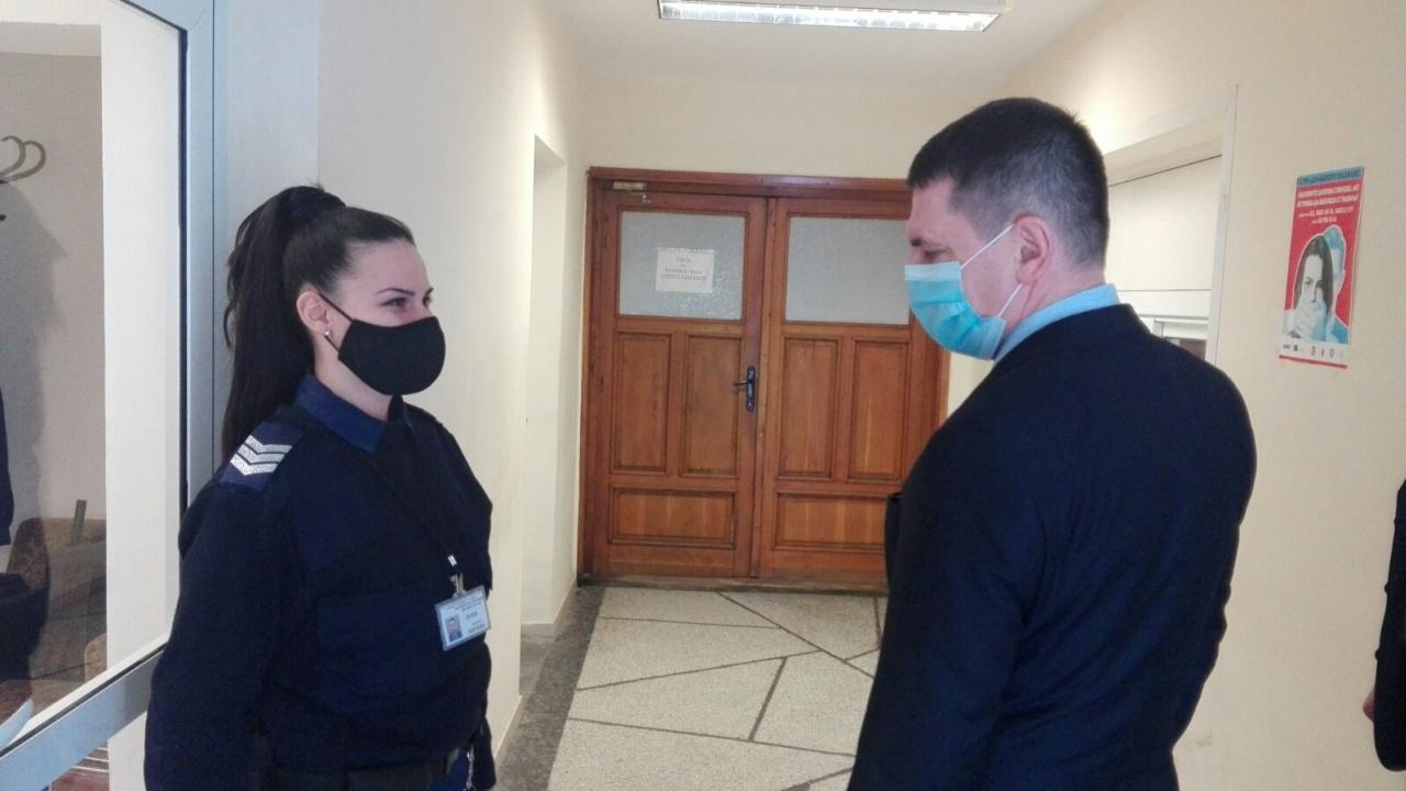 Мобилни екипи ще имунизират срещу COVID-19 служителите на МВР