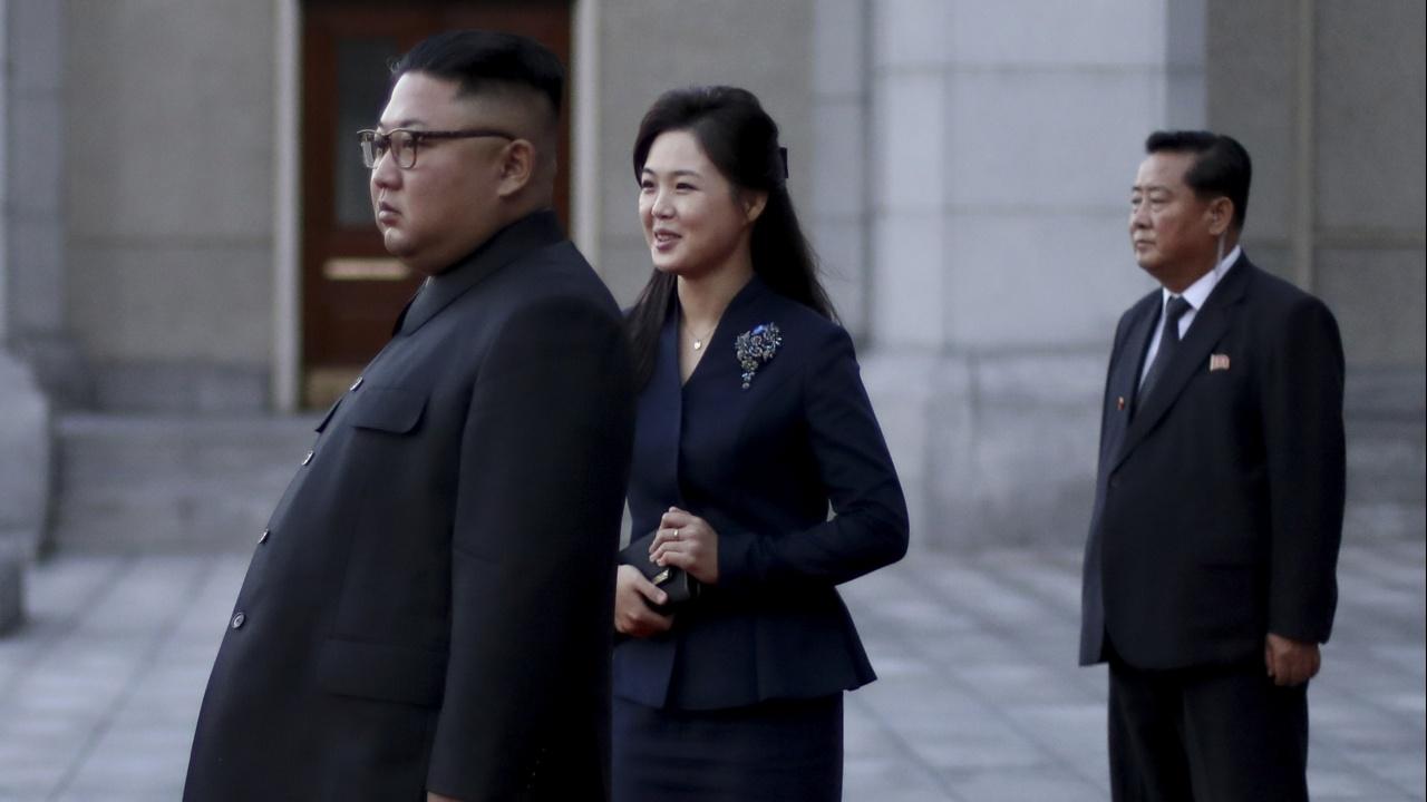 За пръв път от година. Жената на Ким Чен-ун се появи пред хора
