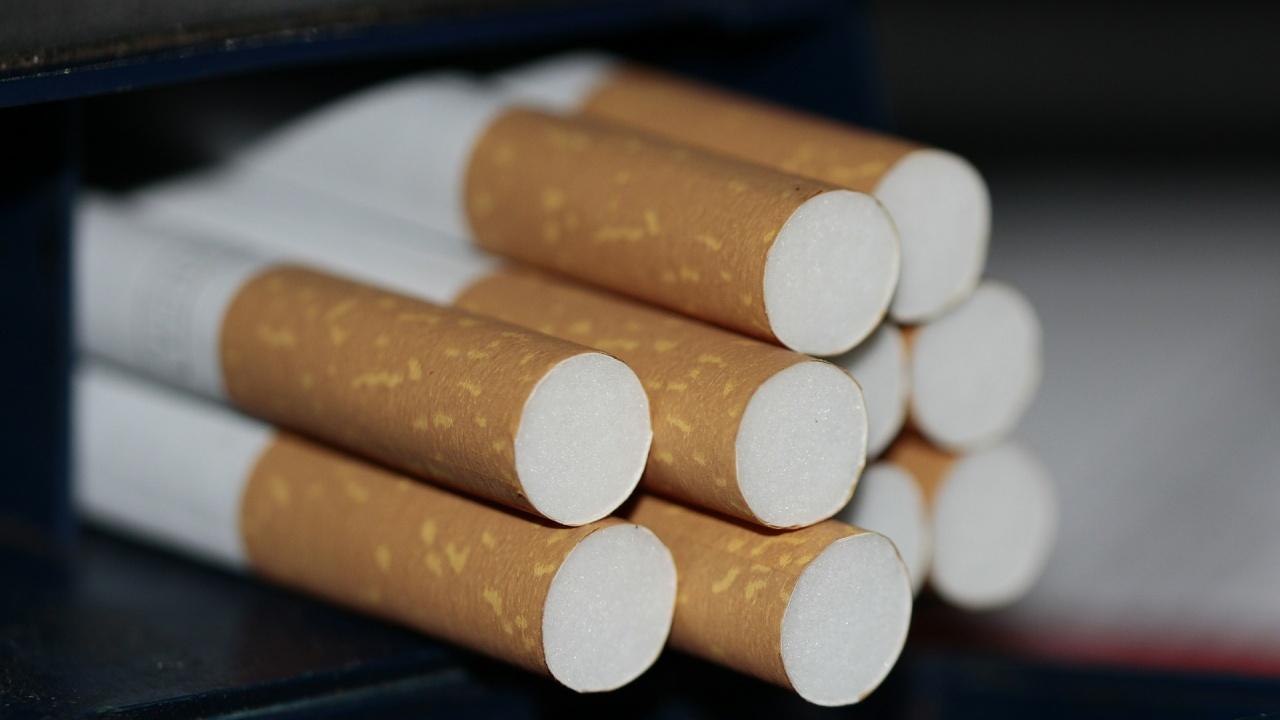 """Конфискуваха около 2500 кутии с цигари и 350 литра алкохол на """"Дунав мост"""""""