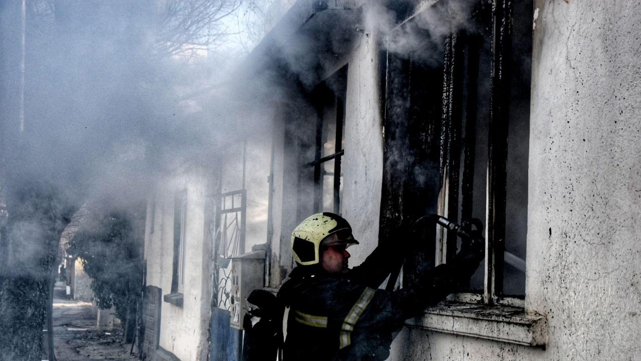 Пожар в изоставена постройка във Варна