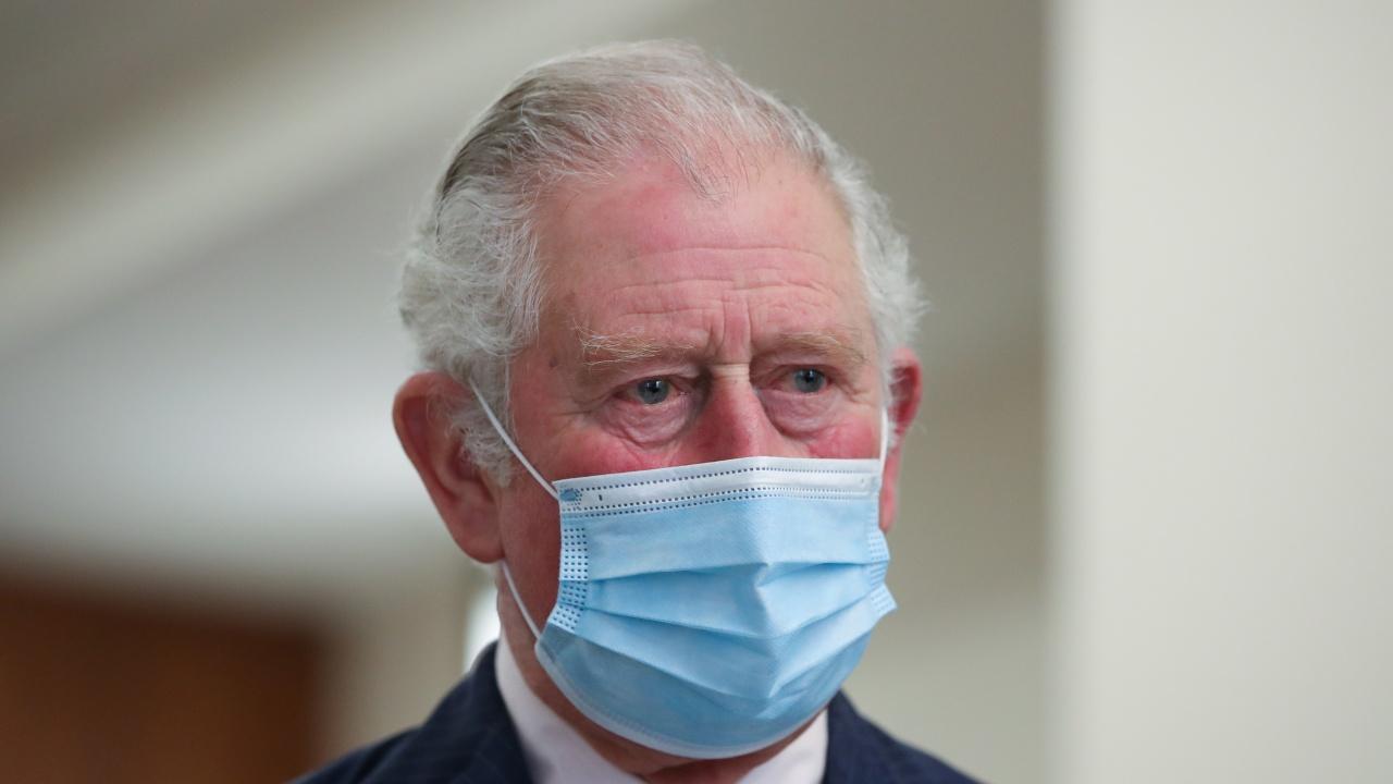 Принц Чарлз благодари на медиците в болница в Бирмингам