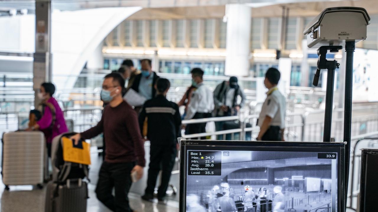 Спипаха пътници на летище в Естония с подправени тестове за COVID-19