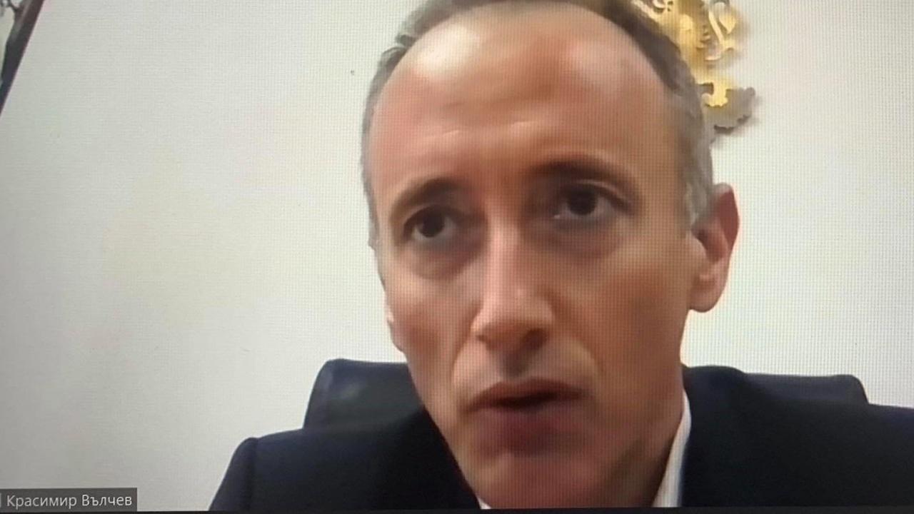 """Министър Вълчев участва в онлайн кръгла маса, организирана от клуб """"Образование"""" към ГЕРБ-Русе"""