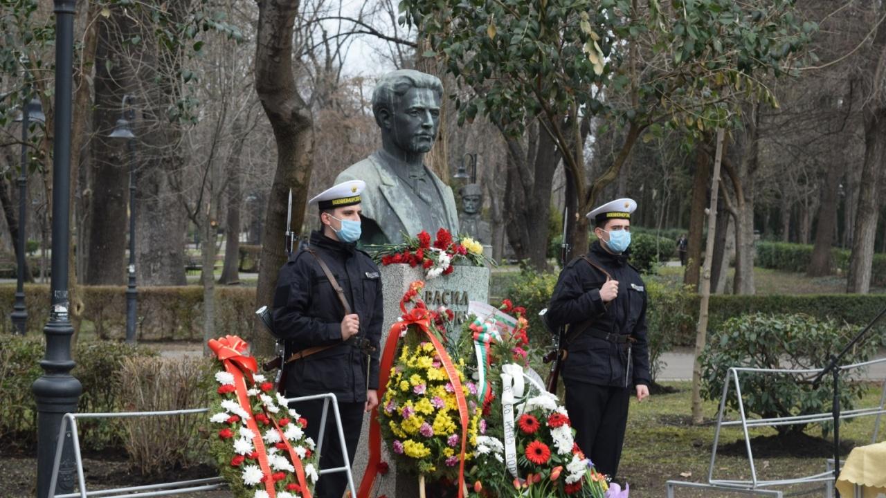 Бургас отдаде почит към делото на Васил Левски