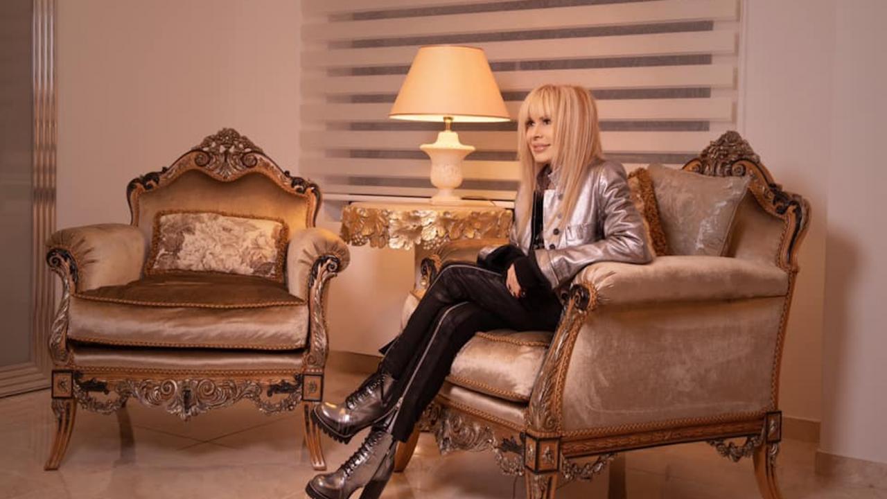Лили Иванова се обзаведе с истински трон