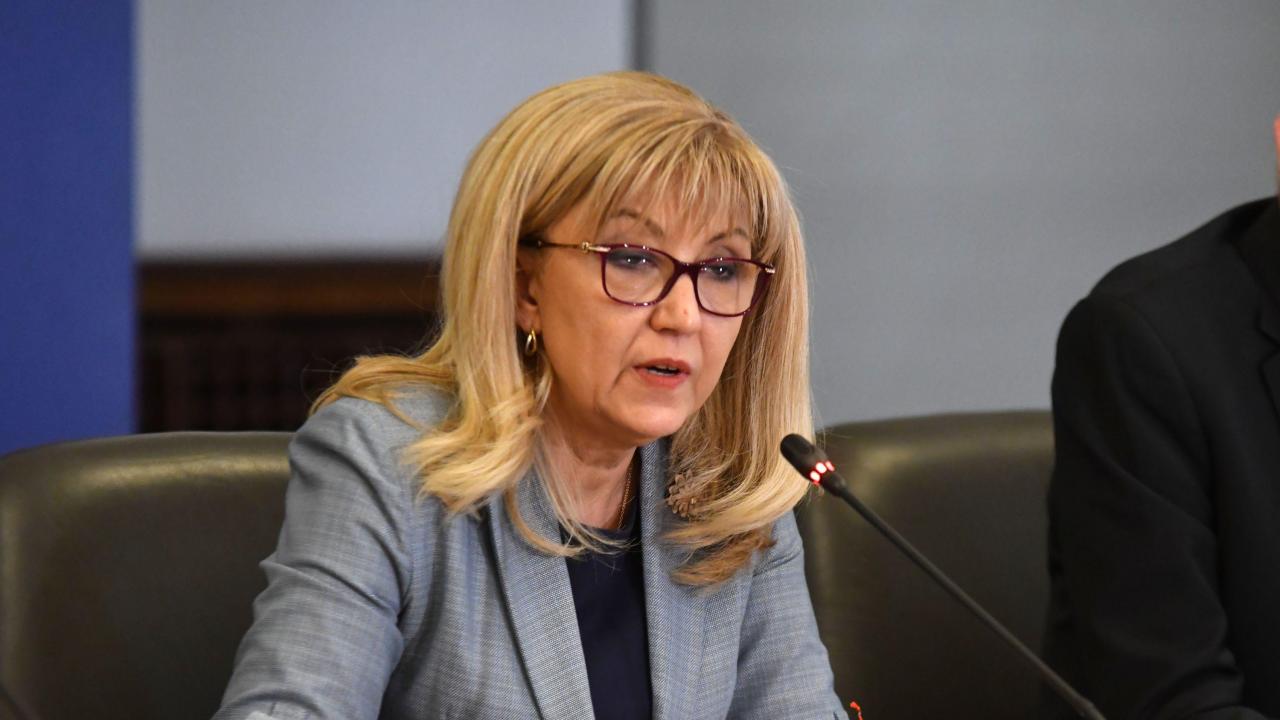 Аврамова: Само за 2020 г. са ремонтирани над 140 км третокласни пътища