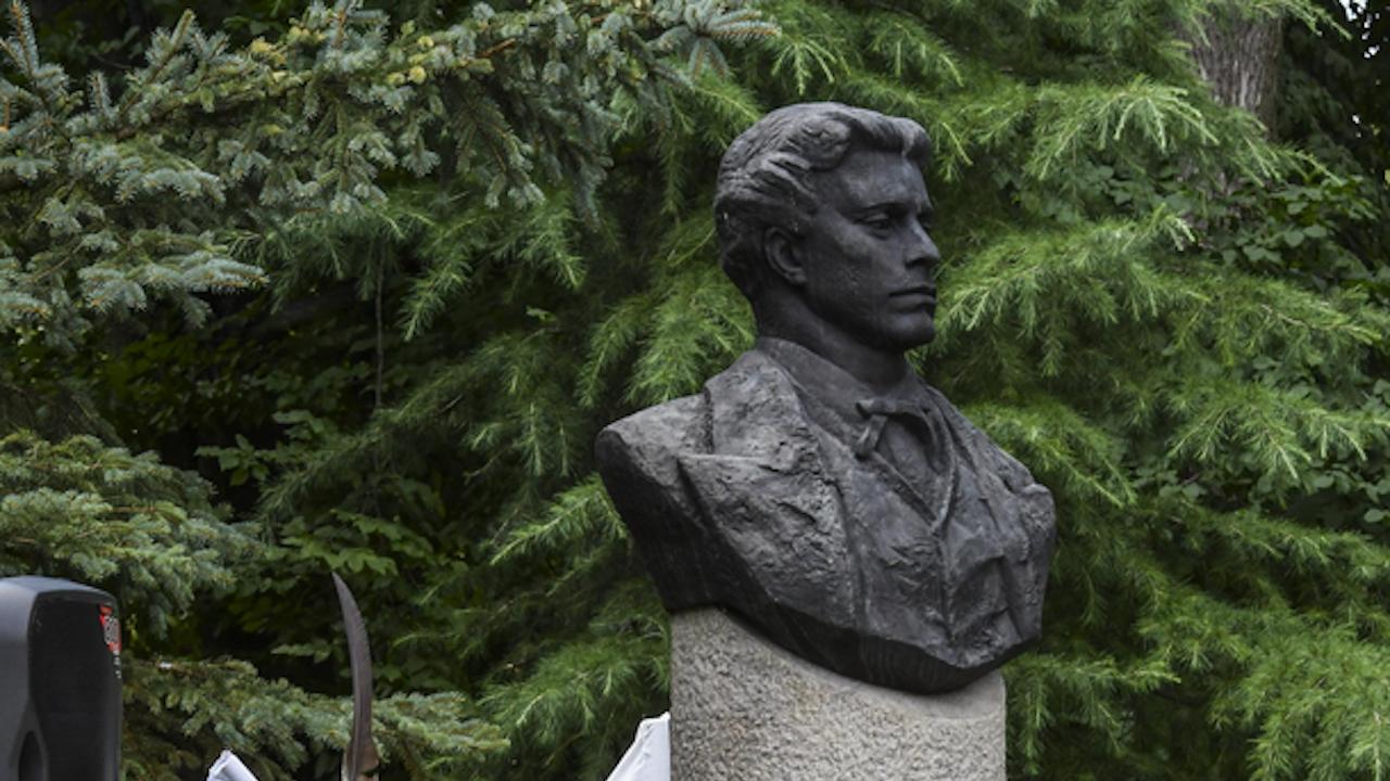 Историк: Учител, а не поп предаде Левски