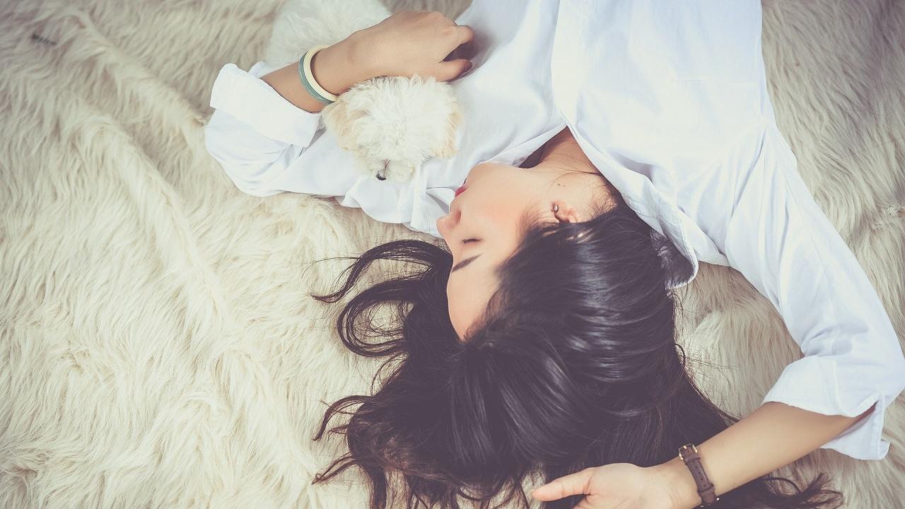 Възможно е свободно общуване по време на кратката фаза на съня