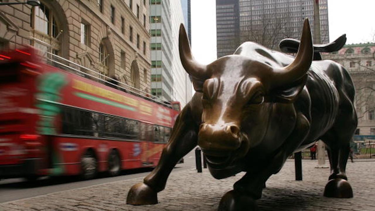 """Почина създателят на бронзовия бик на """"Уолстрийт"""""""