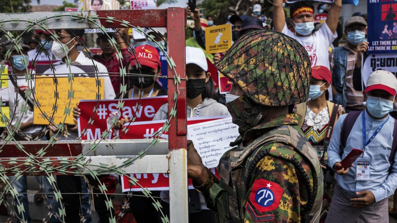 Франция осъди използването на насилие срещу мирни протестиращи в Мианма