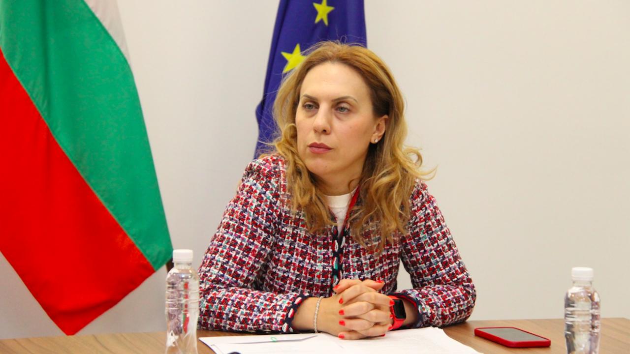 Марияна Николова: Тече ваксинация на членовете на изборните комисии