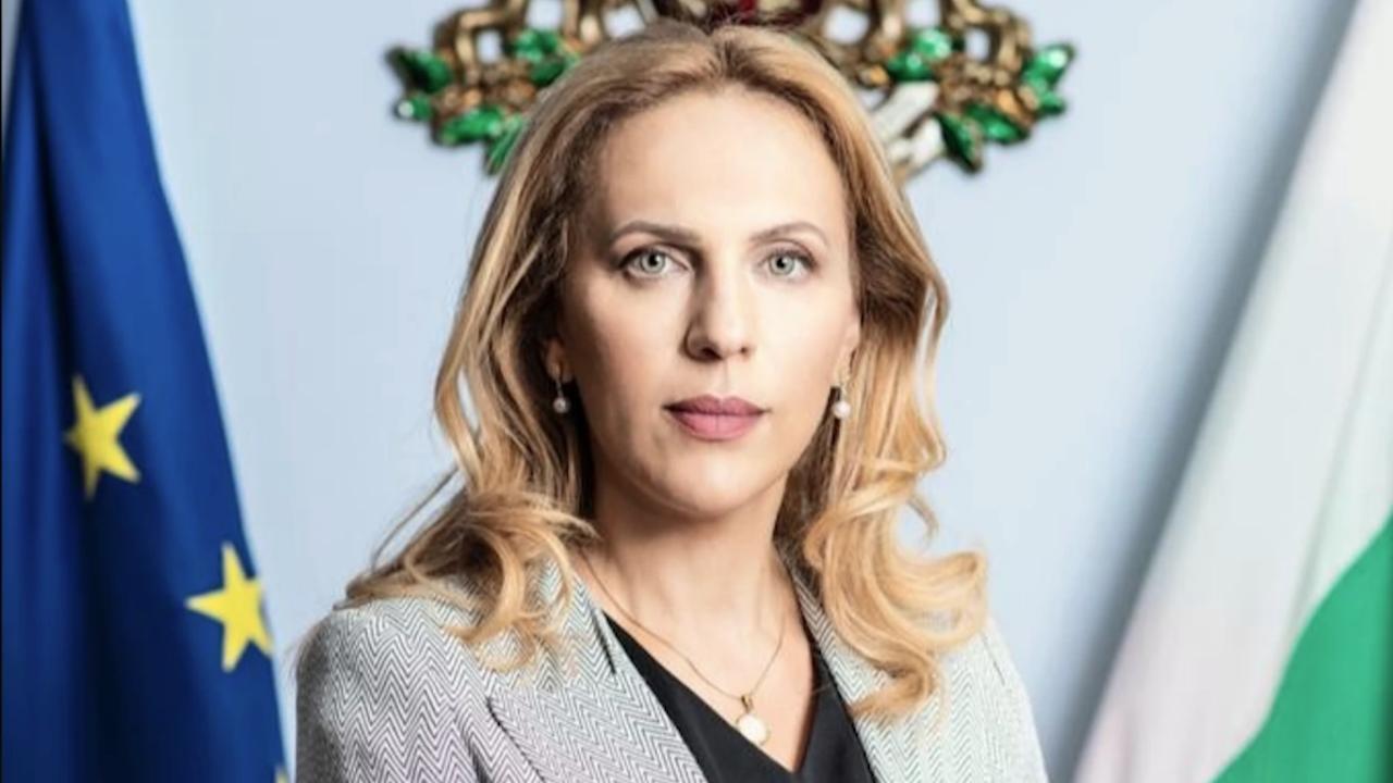 Марияна Николова ще е на работно посещение в Полша
