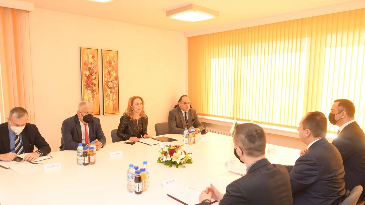 Марияна Николова разговаря с полския държавен секретар с ресор туризъм