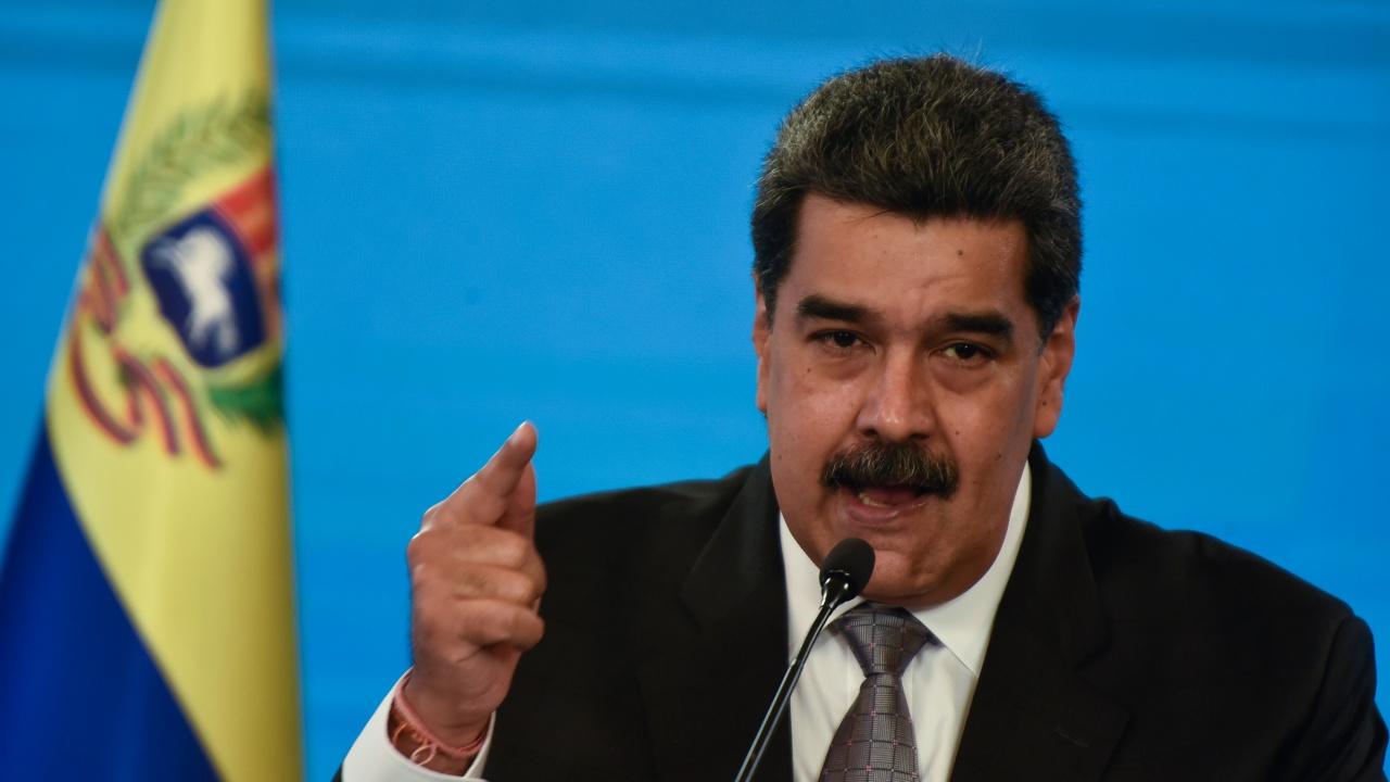 ЕС наложи санкции на 19 високопоставени представители на режима на Мадуро