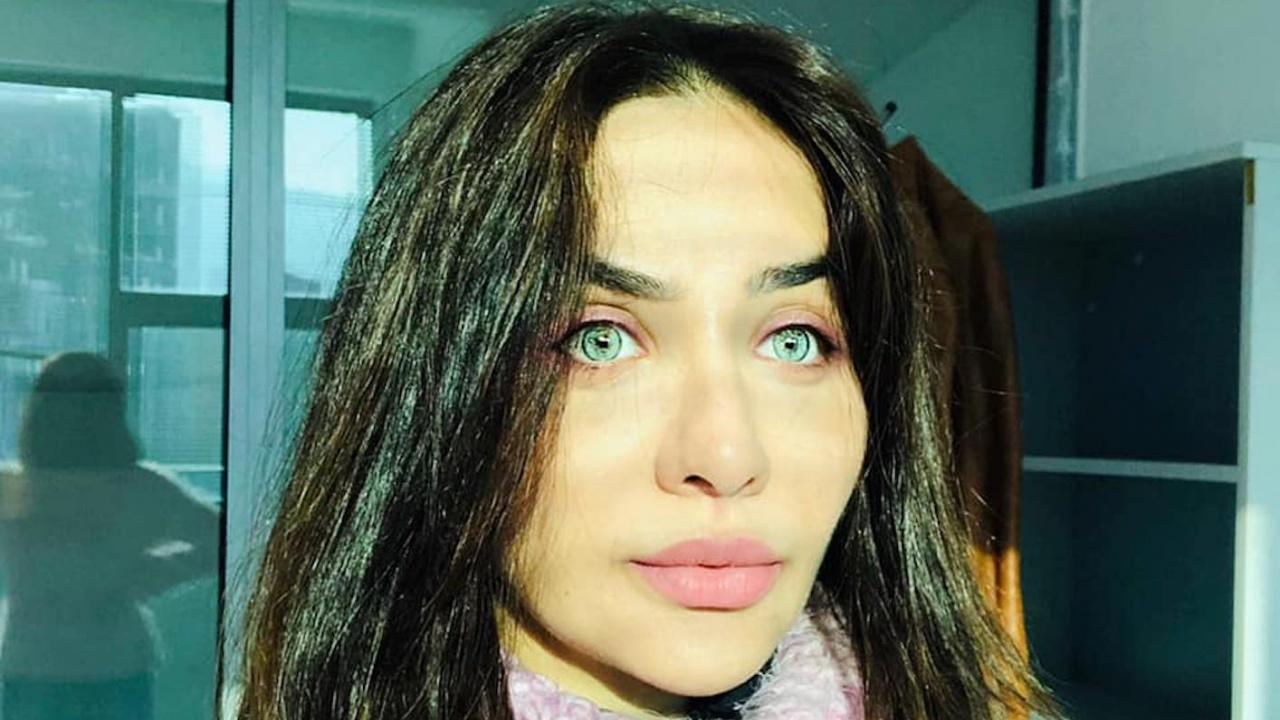Елен Колева си смени лицето