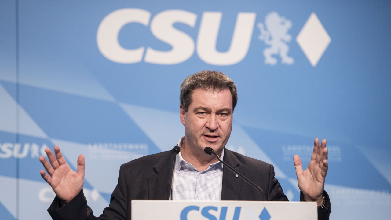 Посяга ли Маркус Зьодер към наследството на Меркел