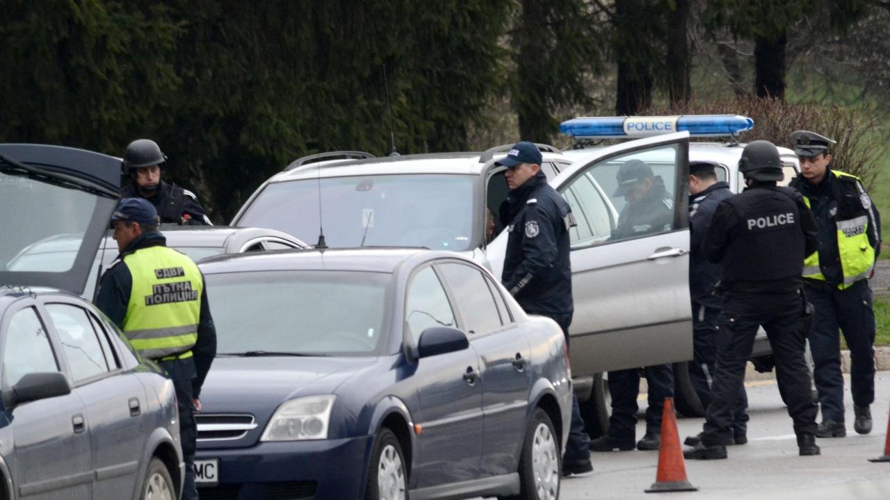 Полицията трети ден издирва 14-годишна тийнейджърка