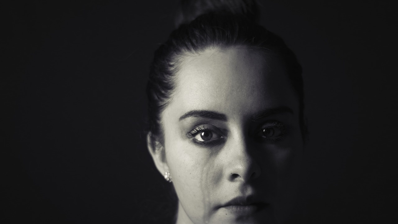 Скандалът със сексуалното насилие в гръцкия театър става все по-политически