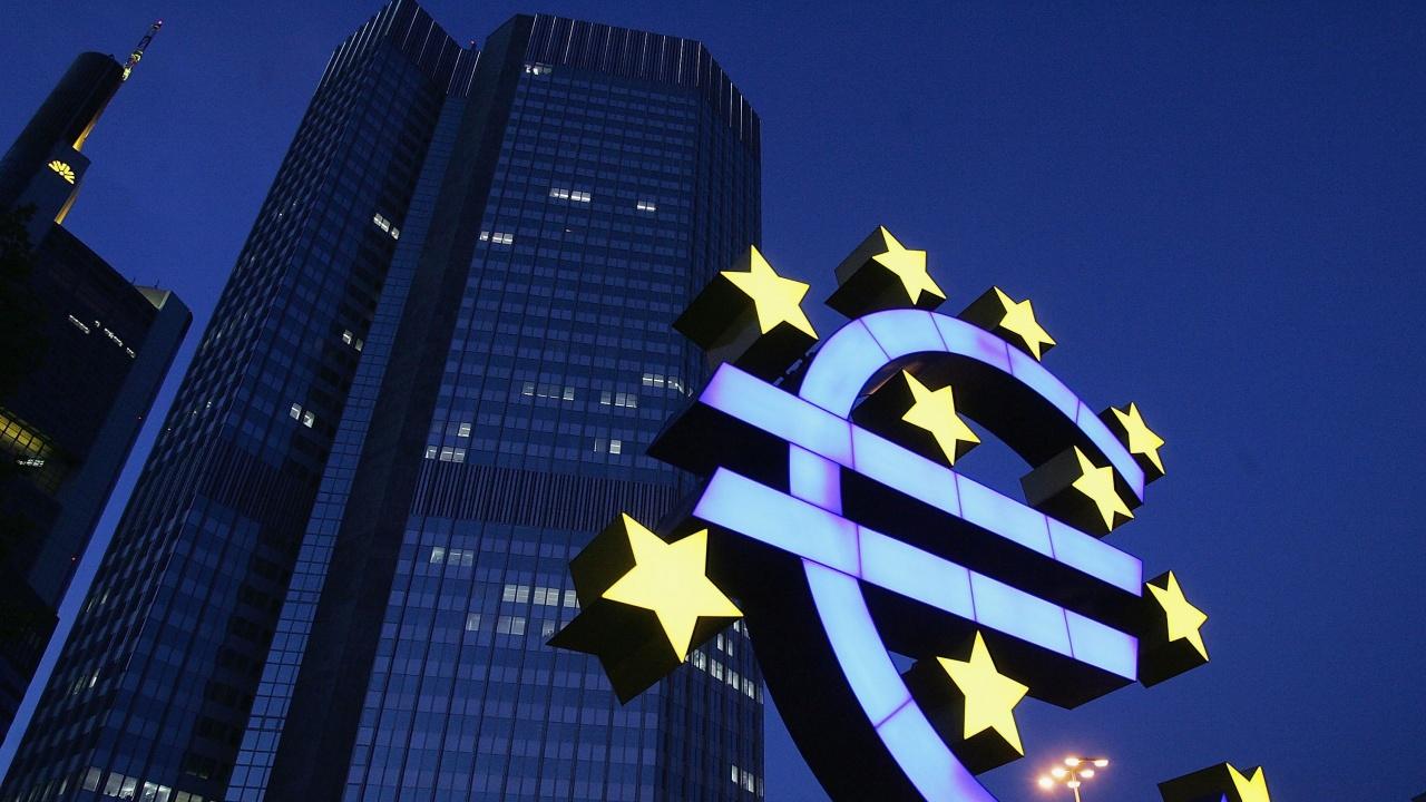 ЕЦБ иска право на вето върху стабилните криптовалути в еврозоната