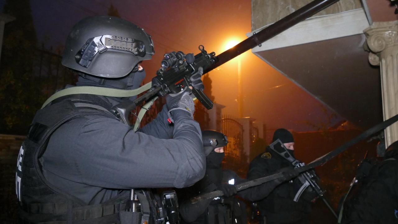 ГДБОП удари киберпрестъпници в Шуменско