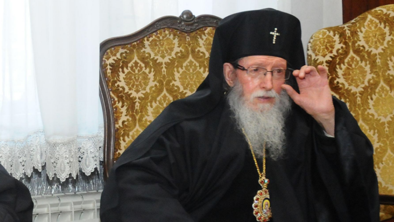 Сливенският митрополит настоява за демонтирането на скулптурата на Боян Мага в Бургас