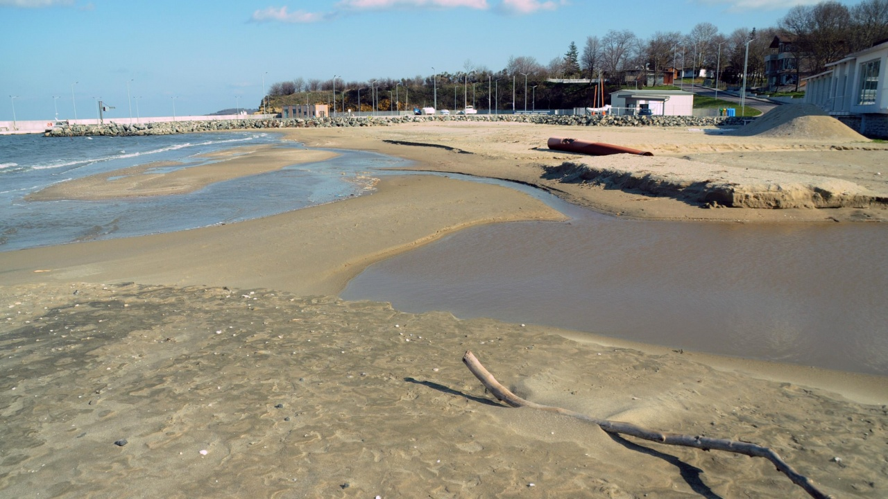 """Открива се процедура за възлагане на концесия за морски плаж """"Василико"""""""